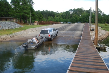 Boat_launch_at_Occoneechee_State_Park_(6077014503)