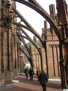 Flying_buttresses_of_the_Freiburg_Minster
